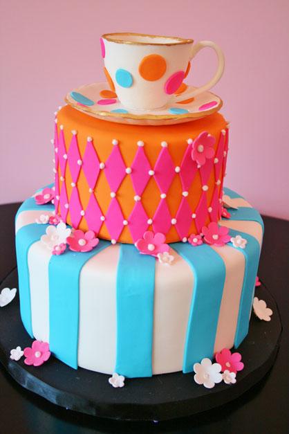 Sweet-16-Cakes-NJ-Alice-in-Wonderland-Custom-Cakes