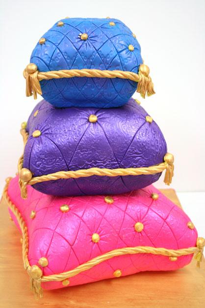 Sweet-16-Cakes-NJ-Arabian-Nights-Pillow-Cakes